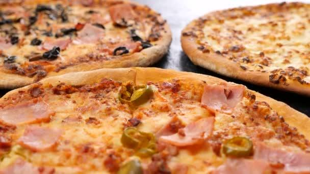 Rimpicciolire dolly girato su tre pizze