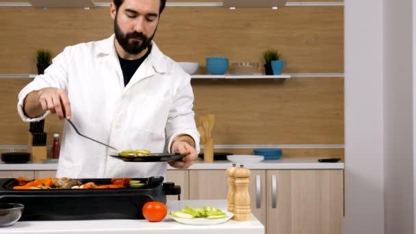 Szerzés-a hús és zöldség grill