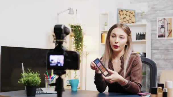 Influencer beauty vlogger recording tutorial for followers