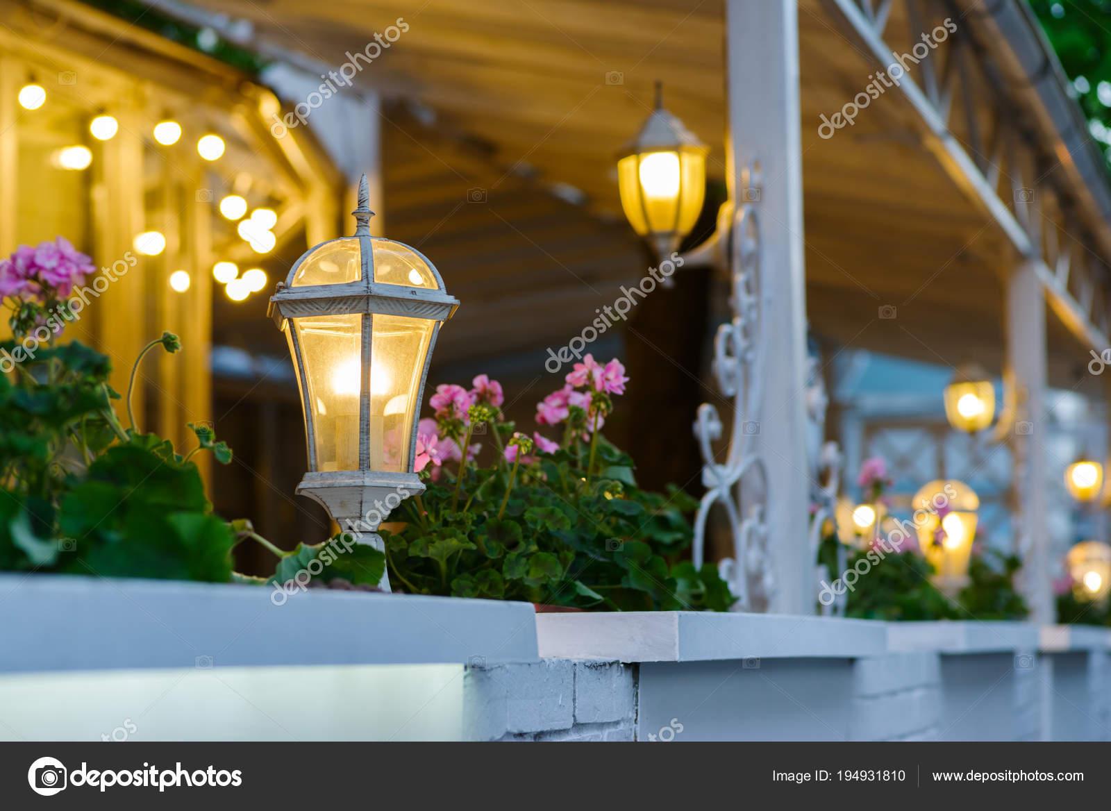 Farolas Decorativas Decoración De Una Terraza De Verano