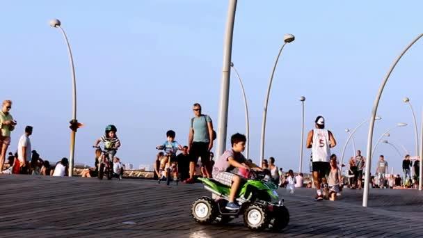 Tel Aviv Isr 17 Oktober 2016 Turister Och Lokalbefolkningen I
