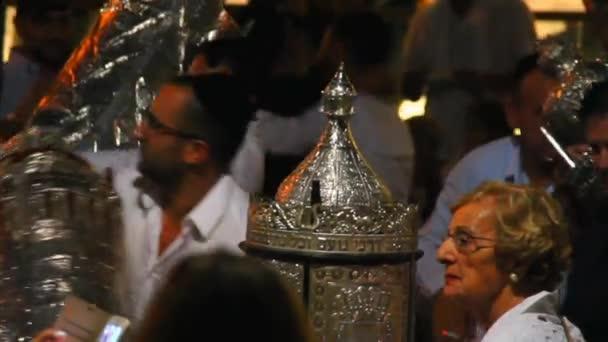 Tel Aviv, Israel - 24. Oktober 2016: Jüdischer Feiertag Simchat Thora