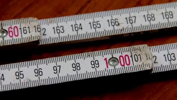 Podrobnosti o dřevěné metrické Carpenter pravítka