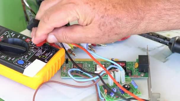 Idő telik nézet munkahelyi elektronikai technikus