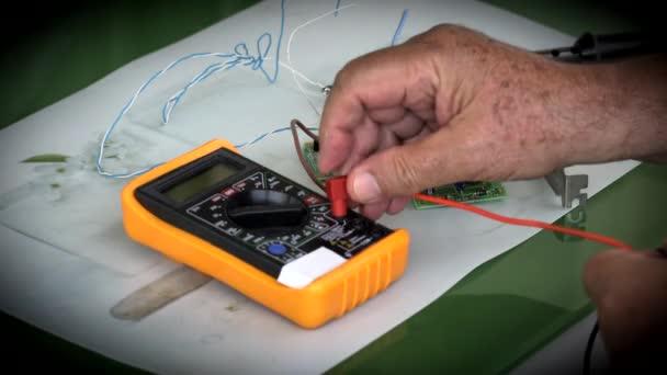 Práce Elektronik