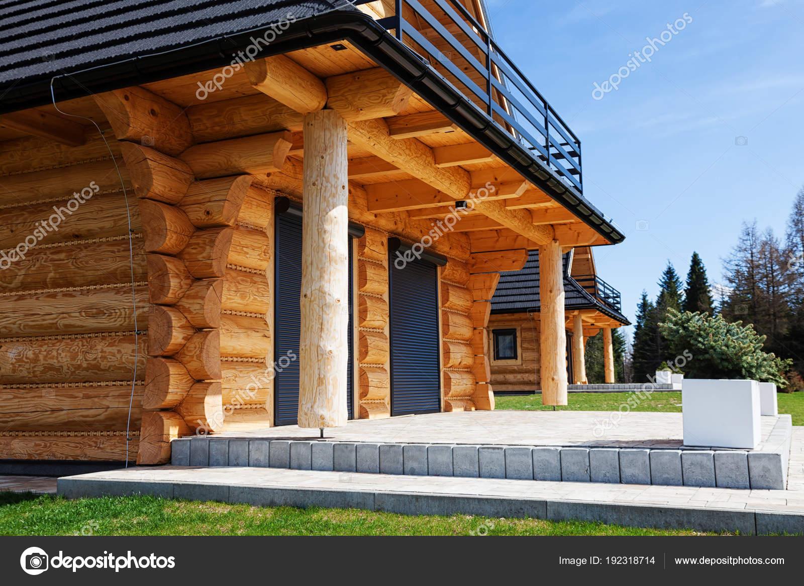 Ingresso Alla Nuova Casa In Legno Un Complesso Residenziale Di Case