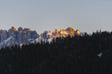 """Картина, постер, плакат, фотообои """"живописные скалистые горы и леса постеры"""", артикул 364968800"""