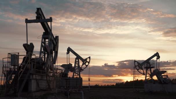 Technológiai olaj- és gáztermelés. Olaj- és gáztermelés, -szállítás és -feldolgozás. Termelés a világ népessége számára.