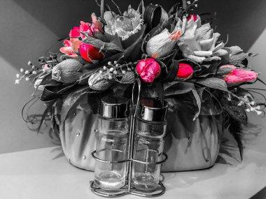 Flowers decorativ salt pepper