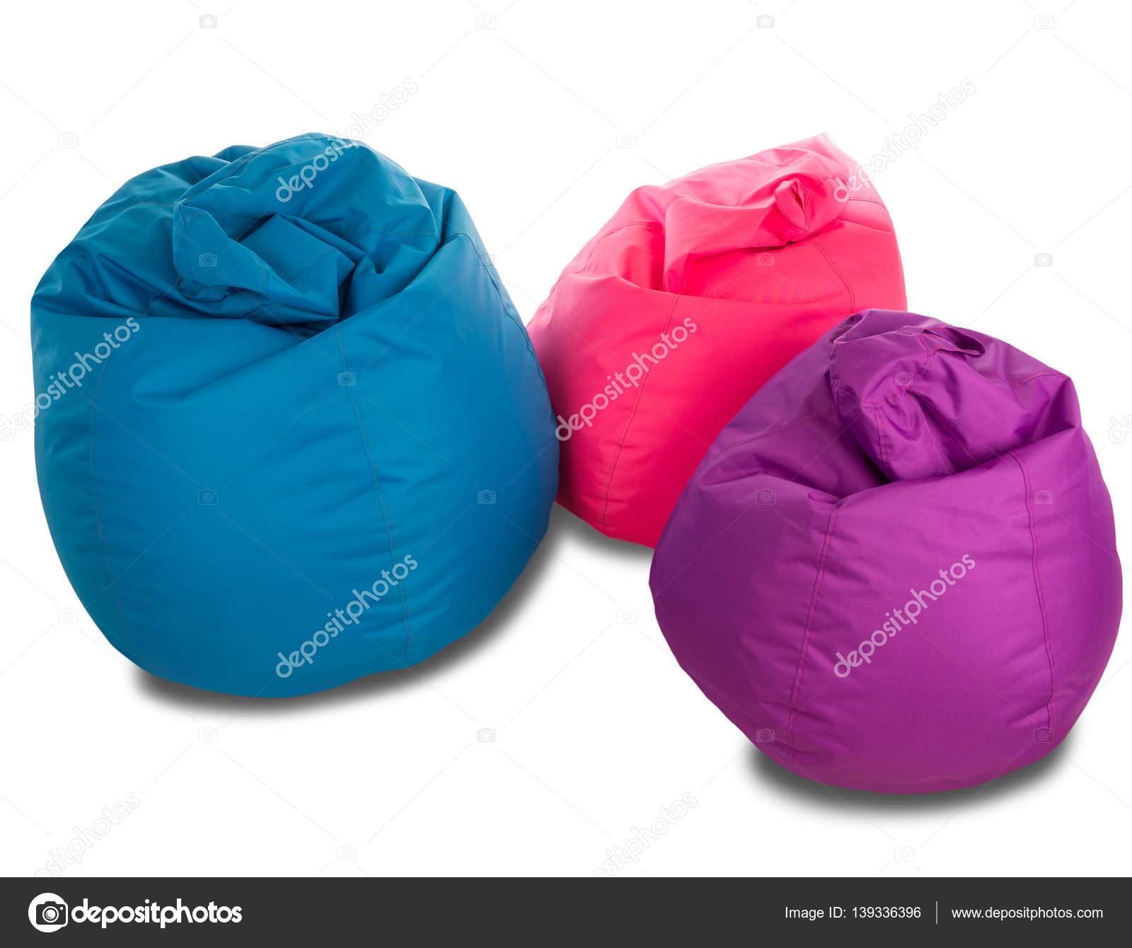 Roze Zitzak Stoel.Blauw Roze En Paars Zitzak Stoelen Geisoleerd Op Een Witte Pagina