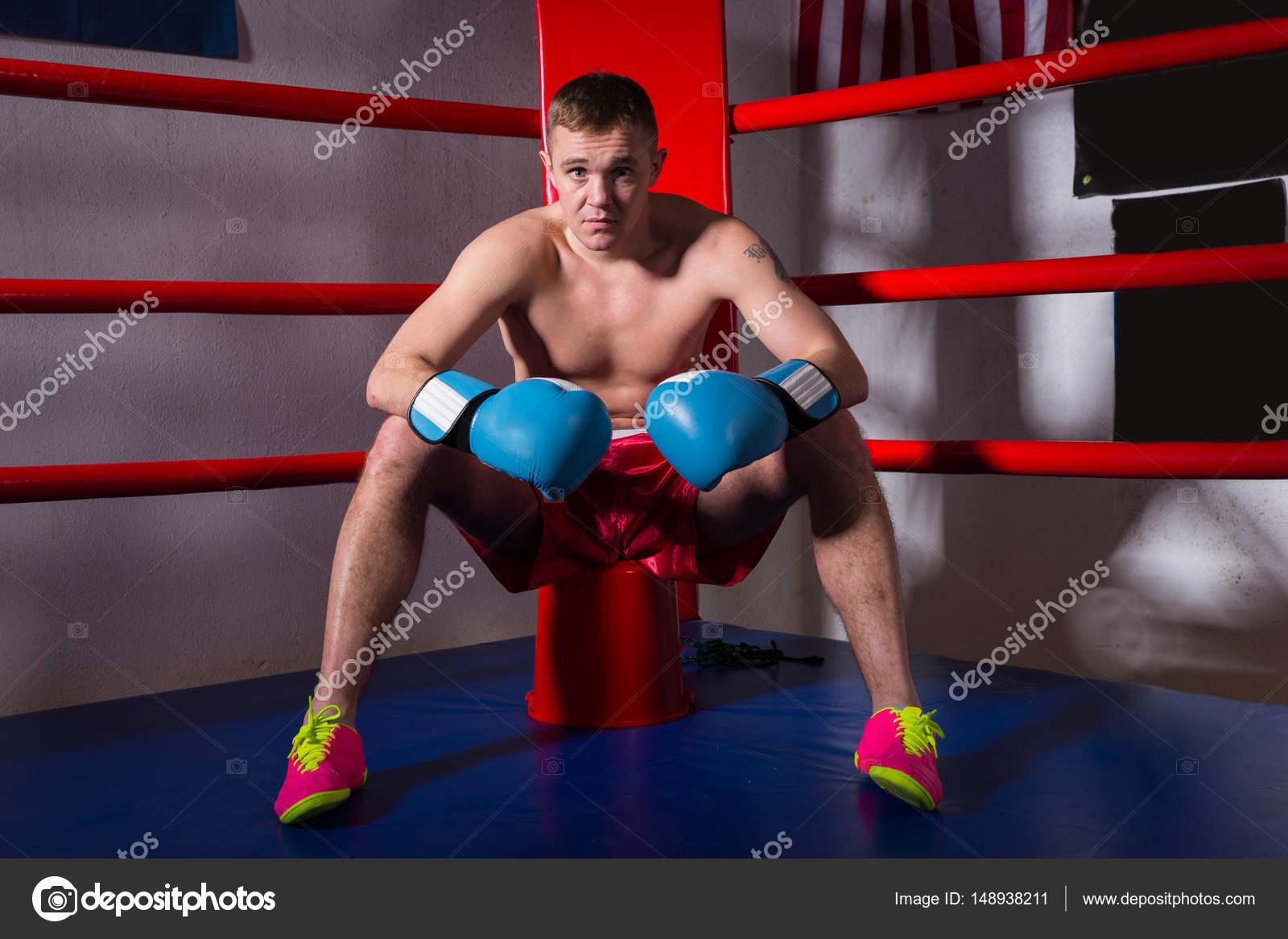 Деньги фото боксеров голых мужчин волосатих