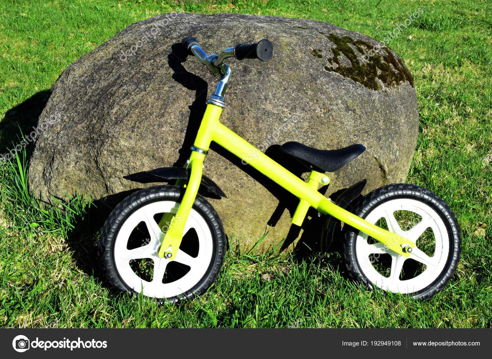 Equilibrio Bici Giallo Bambini Senza Pedali Attrezzature Esercizio