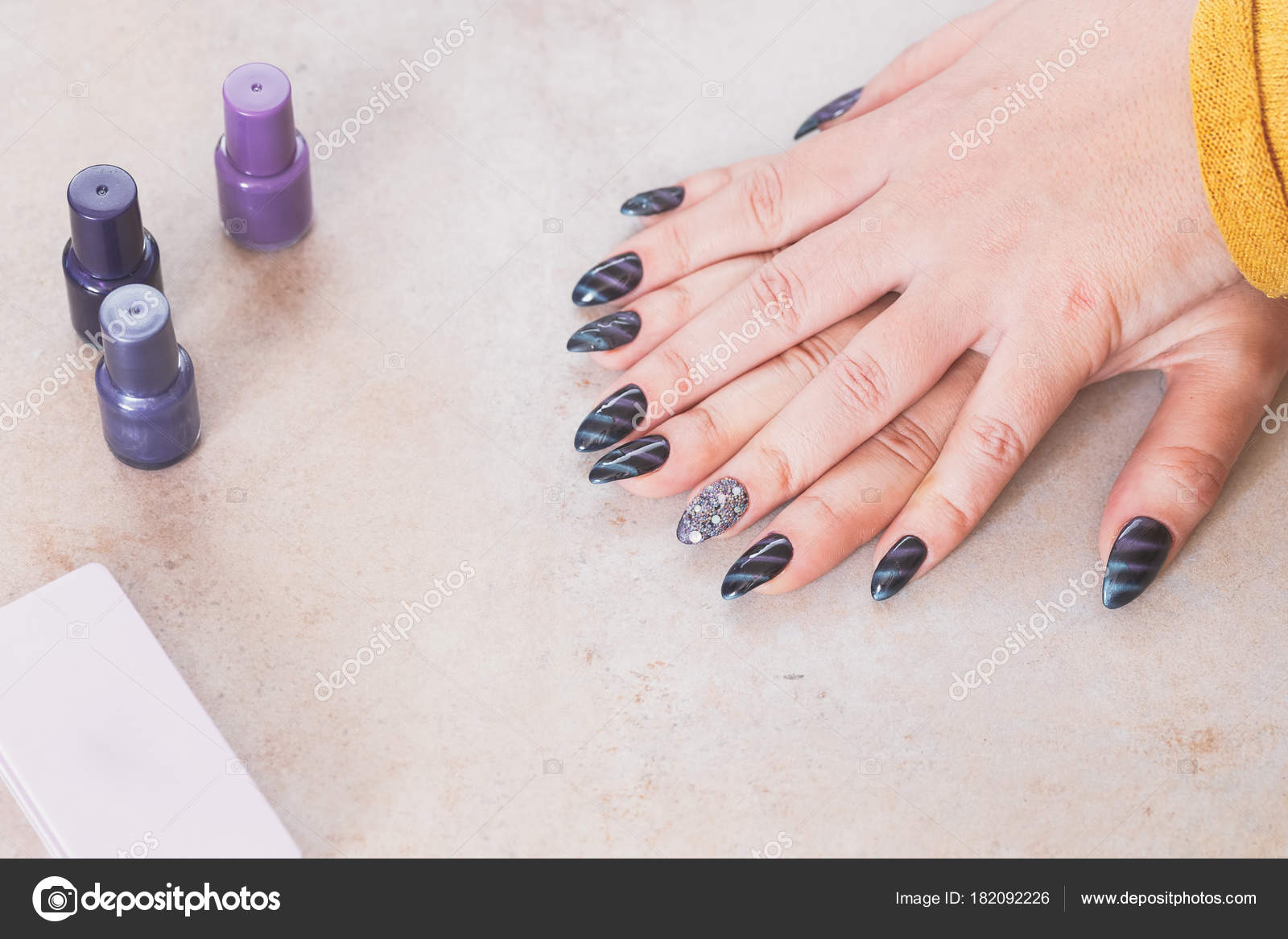 Purple Nails Black Blue Spiral Rhinestones Selective Focus — Stock ...