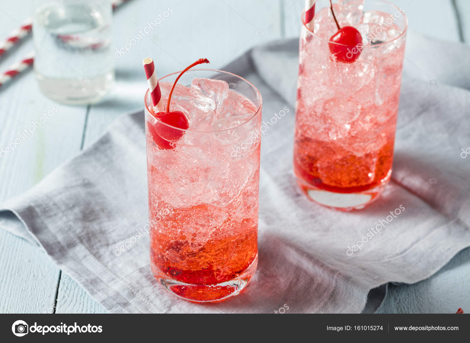 cocktail refrescante sin alcohol