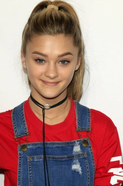actress Lizzy Greene