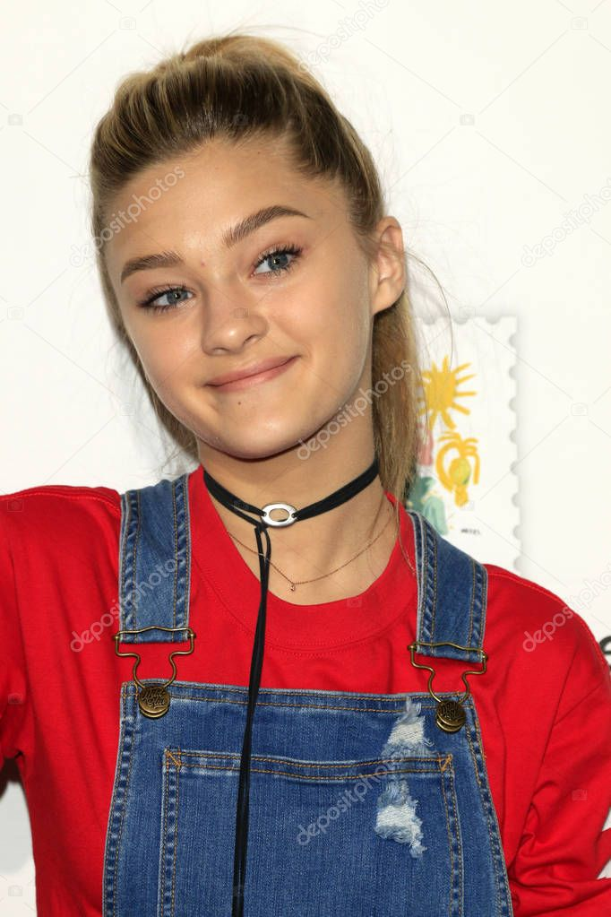 Actress Lizzy Greene – Stock Editorial Photo © Jean_Nelson