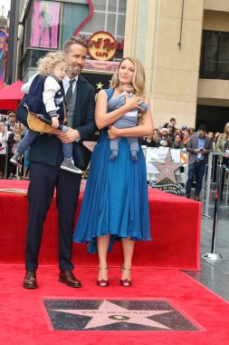 Blake Lively, Newborn Reynolds, Ryan Reynolds, James Reynolds