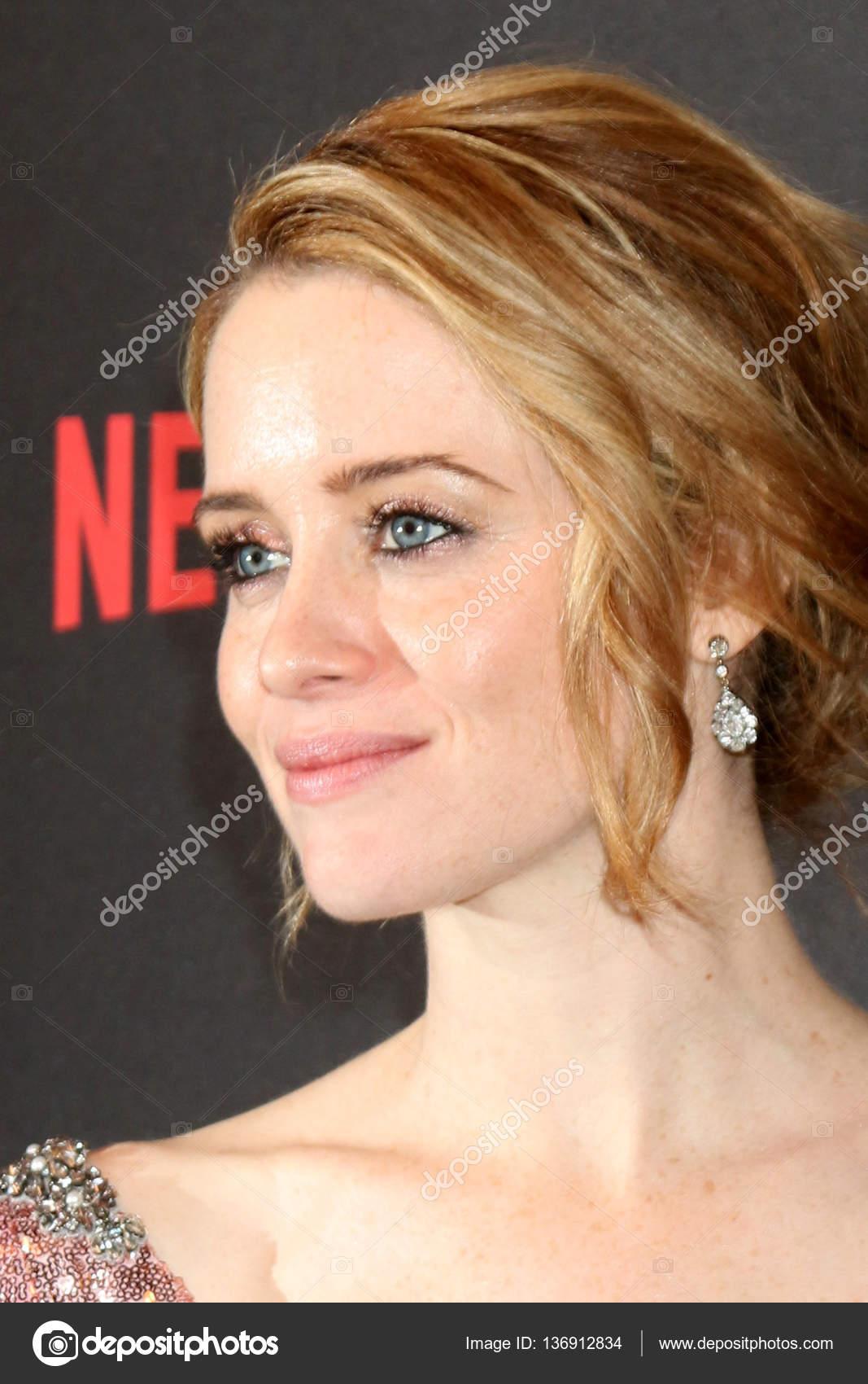 https://st3.depositphotos.com/1694341/13691/i/1600/depositphotos_136912834-stock-photo-actress-clare-foy.jpg
