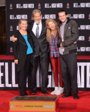 Susan Bridges, Jeff Bridges, Cindy Bridges, Boone Cunningham