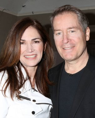 Kim Delaney, Laurence Lau