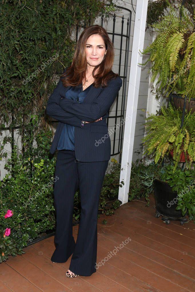 actress Kim Delaney