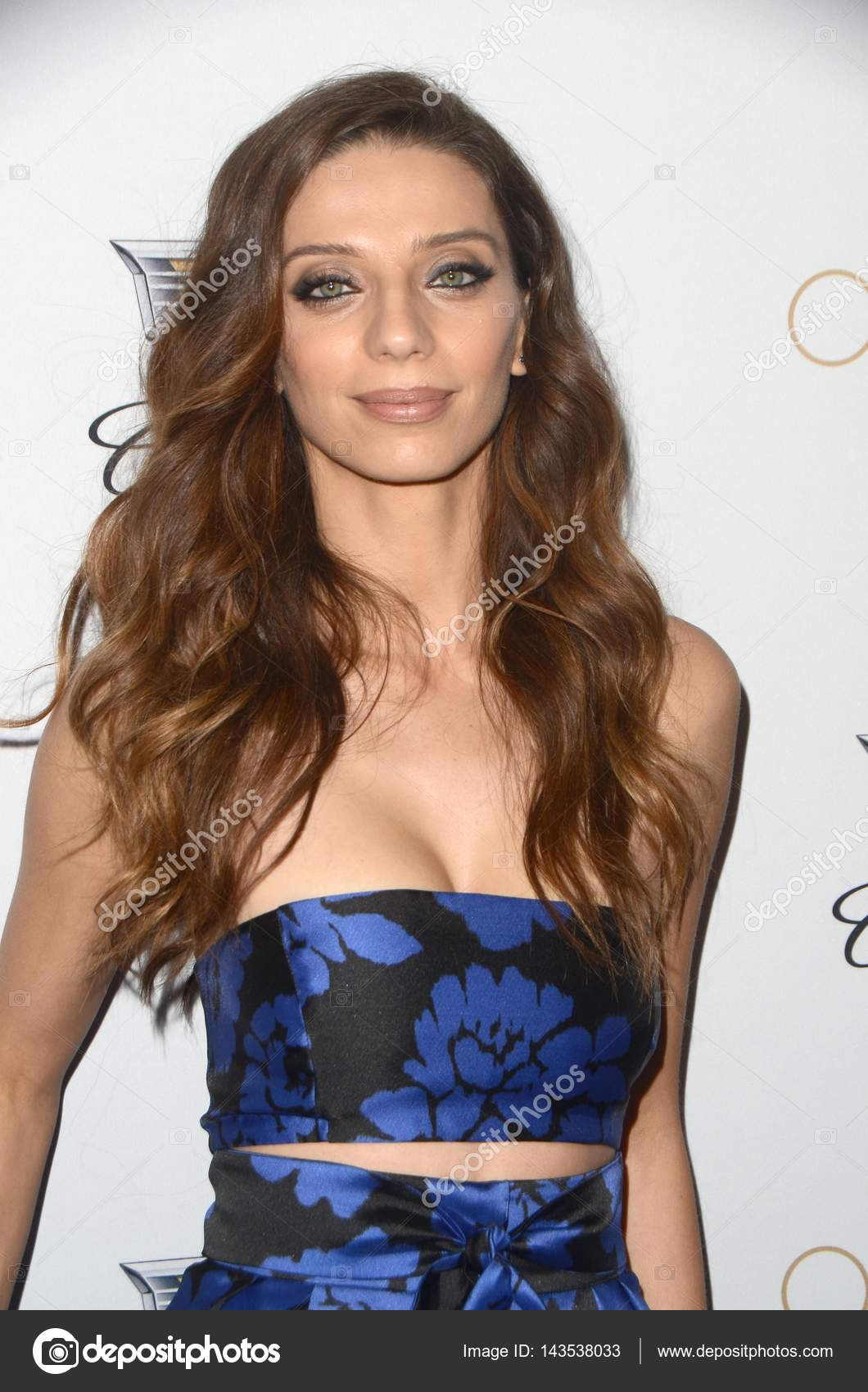 Fotos Angela Sarafyan nude (91 photo), Pussy, Cleavage, Twitter, braless 2015