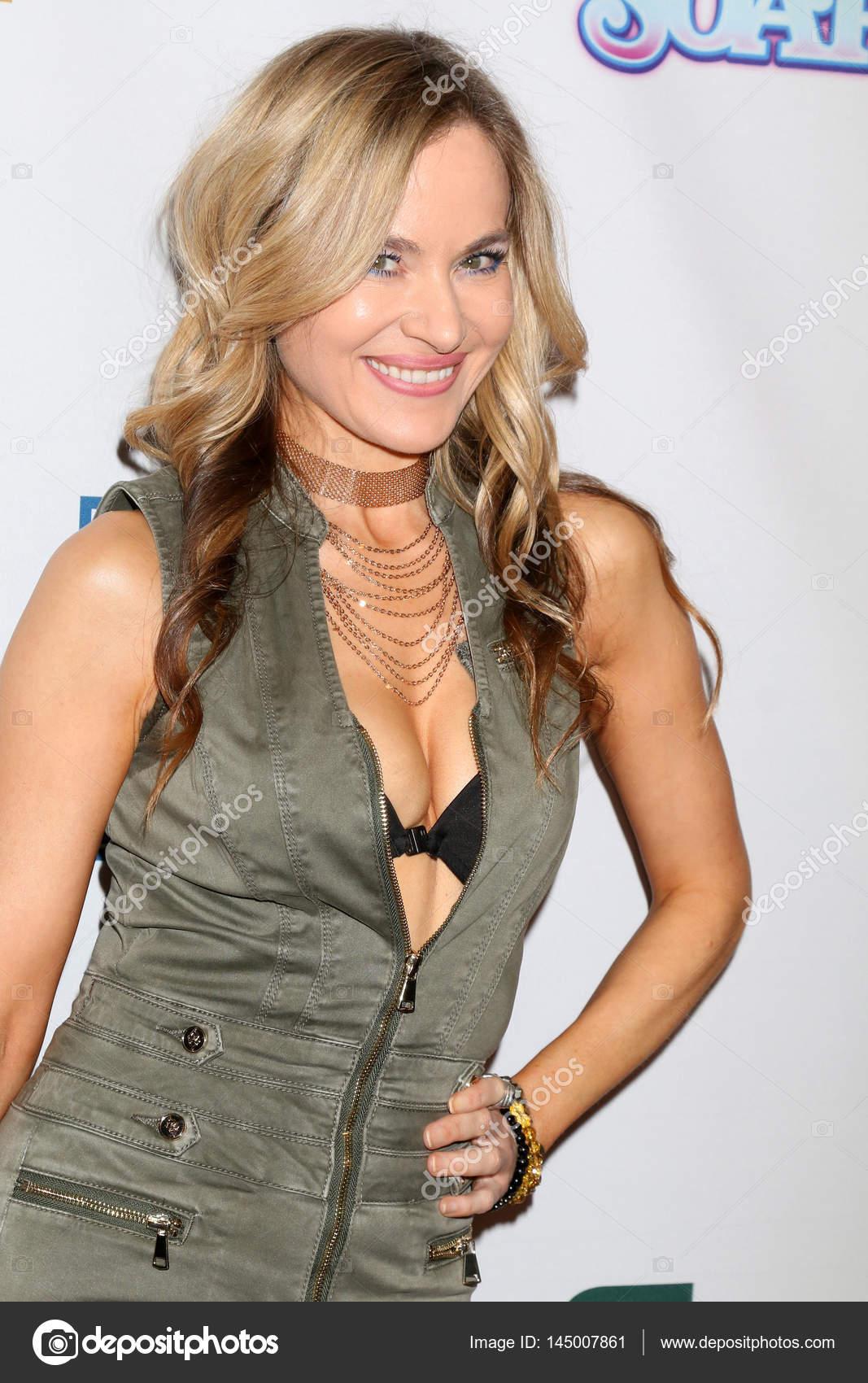 Paula LaBaredas