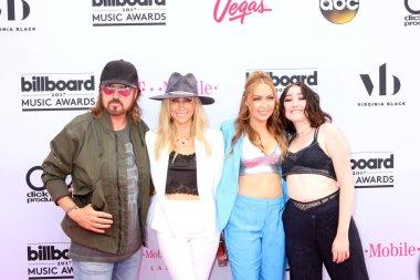 Billy Ray Cyrus, Tish Cyrus, Brandi Cyrus, Noah Cyrus