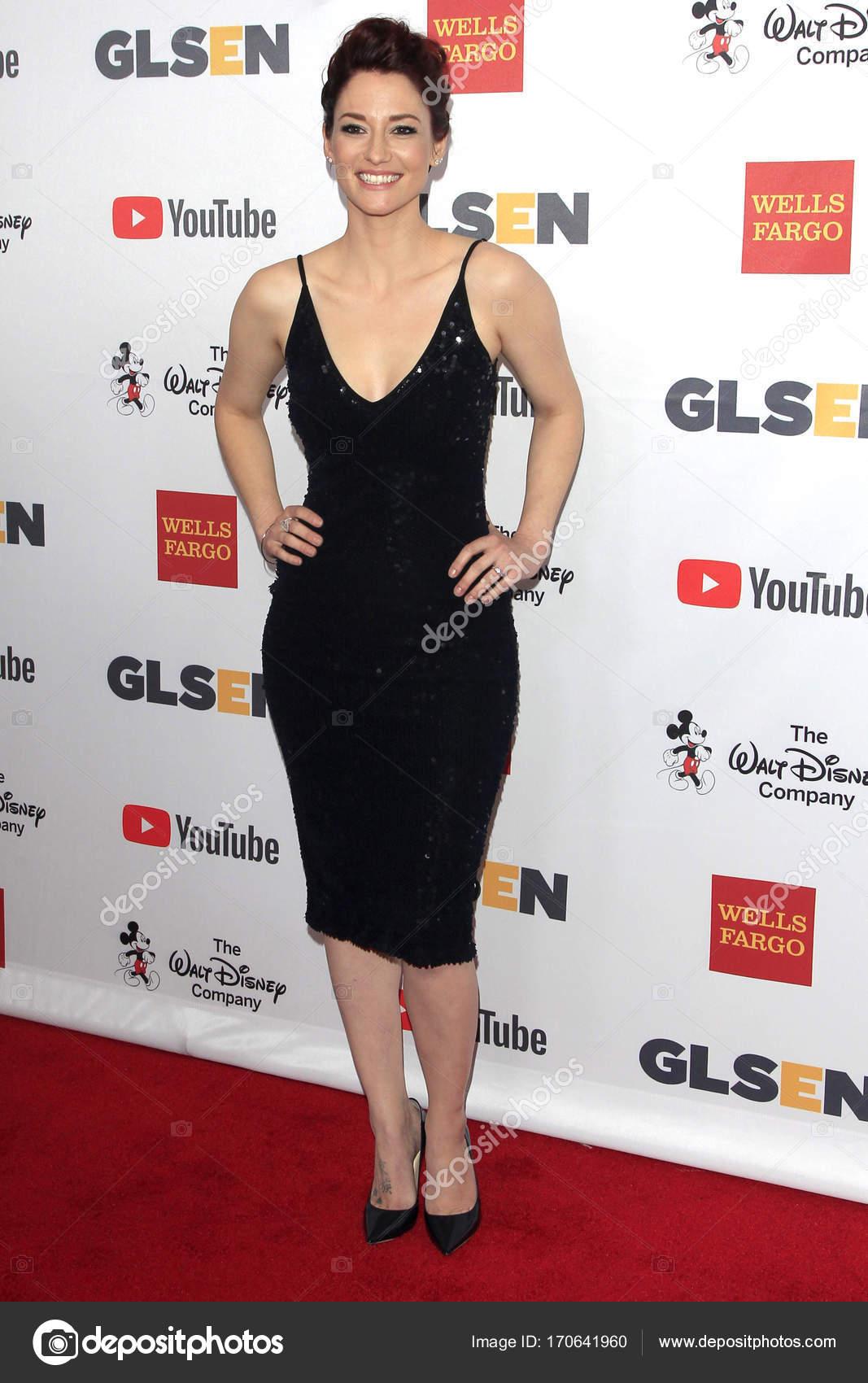 Chyler Leigh Nude Photos 7