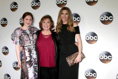 Emma Kenney, Roseanne Barr, Sarah Chalke