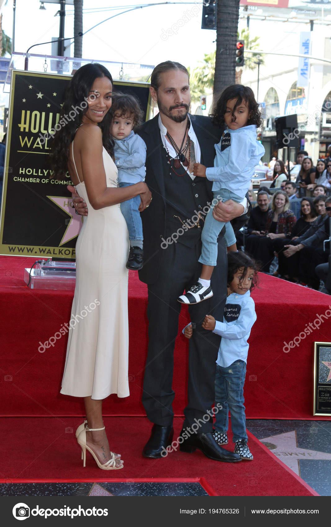 Zoe Saldaña, Marco Perego, hijos — Foto editorial de stock ...