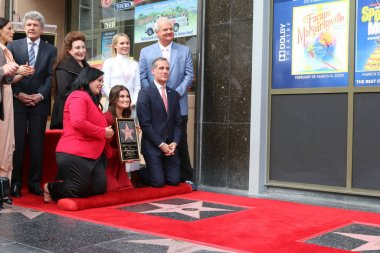 Idina Menzel and Kristen Bell Star Ceremony