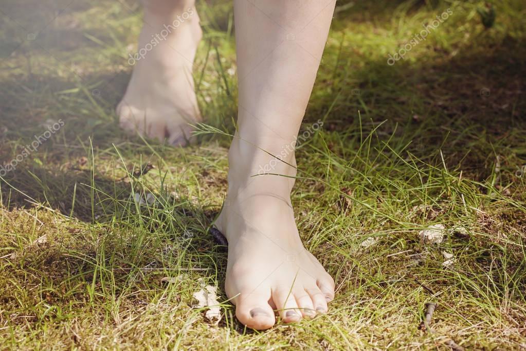 Мамины босые ножки видео