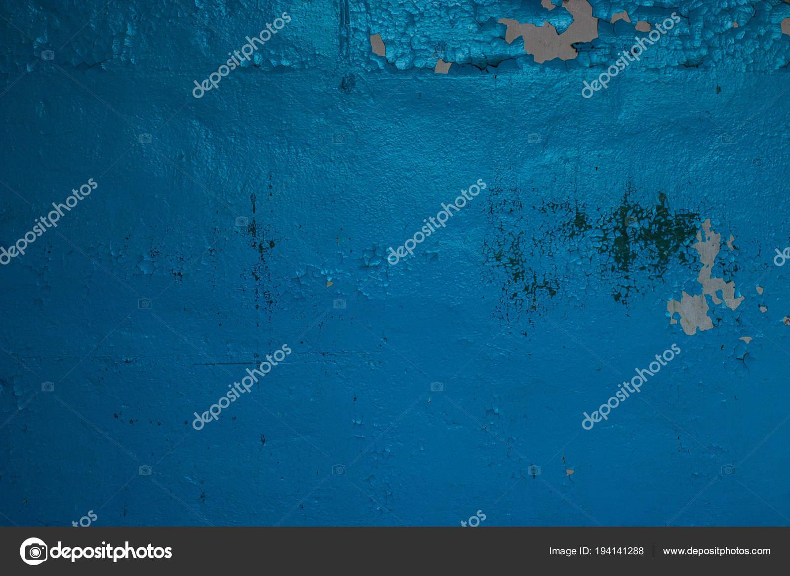 Vieille Peinture Qui écaille Sur Bleu Mur Photographie