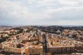 Fotografia vista aerea delle belle costruzioni romane a Roma, Italia