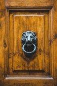 Fotografie držák dveří
