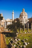 Fotografie Santa Maria di Loreto (St. Maria Loreto) Kirchenruine at Roman Forum in Rom, Italien
