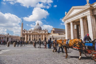 VATICAN, ITALY - 10 MARCH 2018: tourists walking by St. Peter's square stock vector