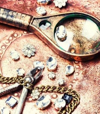 Making of handmade jewellery