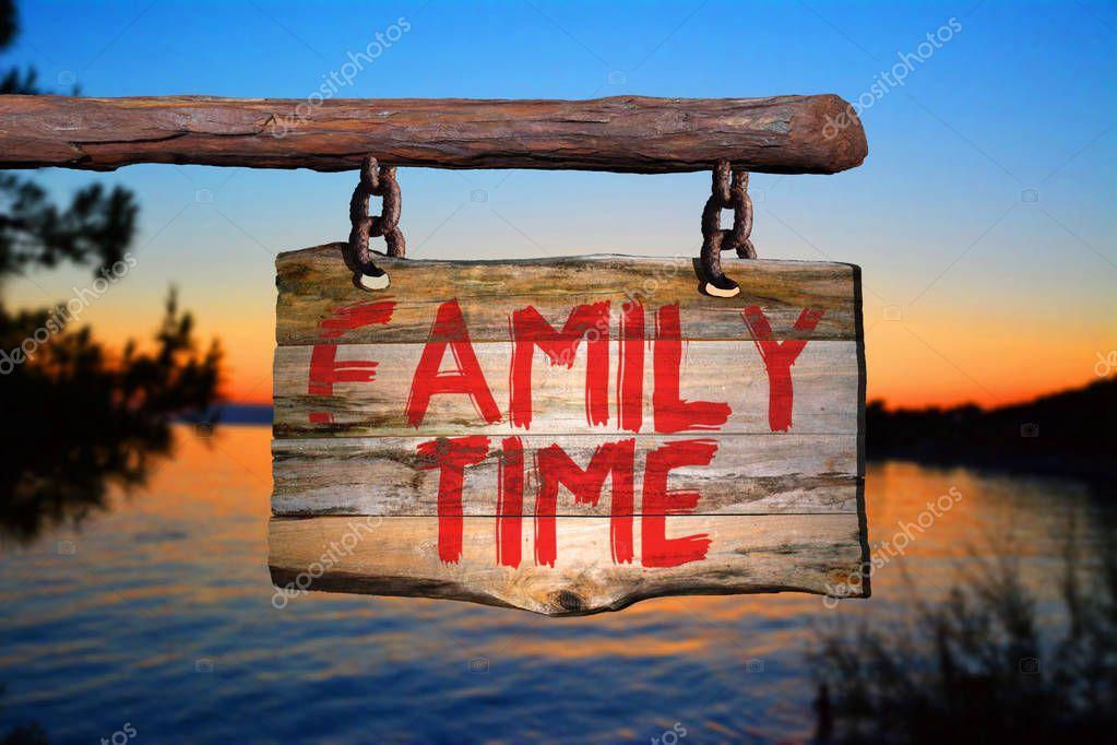 Sinal De Tempo Para A Família Frase Motivacional Stock