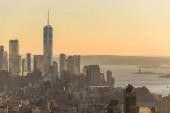 Zobrazit dolní Manhattan centrum Panorama s slavná Empire State Building a mrakodrapy při západu slunce, New York City, Usa