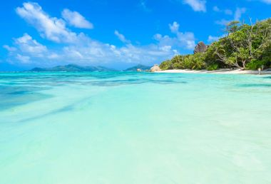 Source dArgent Beach at island La Digue, Seychelles.