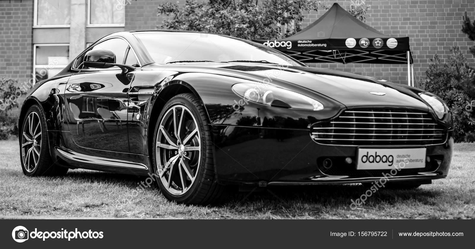 Carro Esportivo Aston Martin Vantage, 2010 U2014 Fotografia De Stock