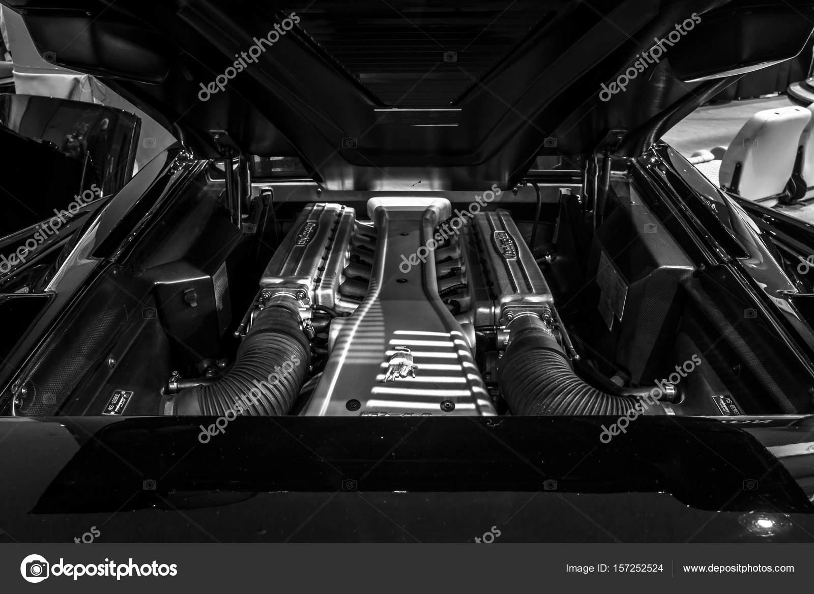 Engine Compartment Lamborghini Diablo Sv 1999 Stock Editorial