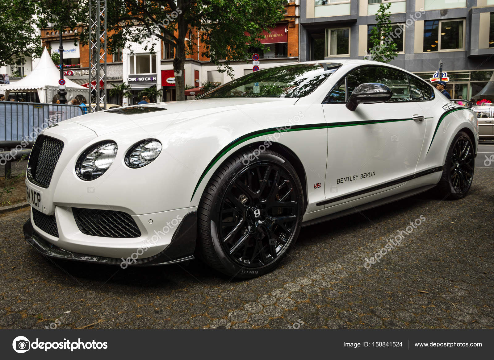 voiture de luxe personnelle bentley continental gt 2017 photo ditoriale s kohl 158841524. Black Bedroom Furniture Sets. Home Design Ideas