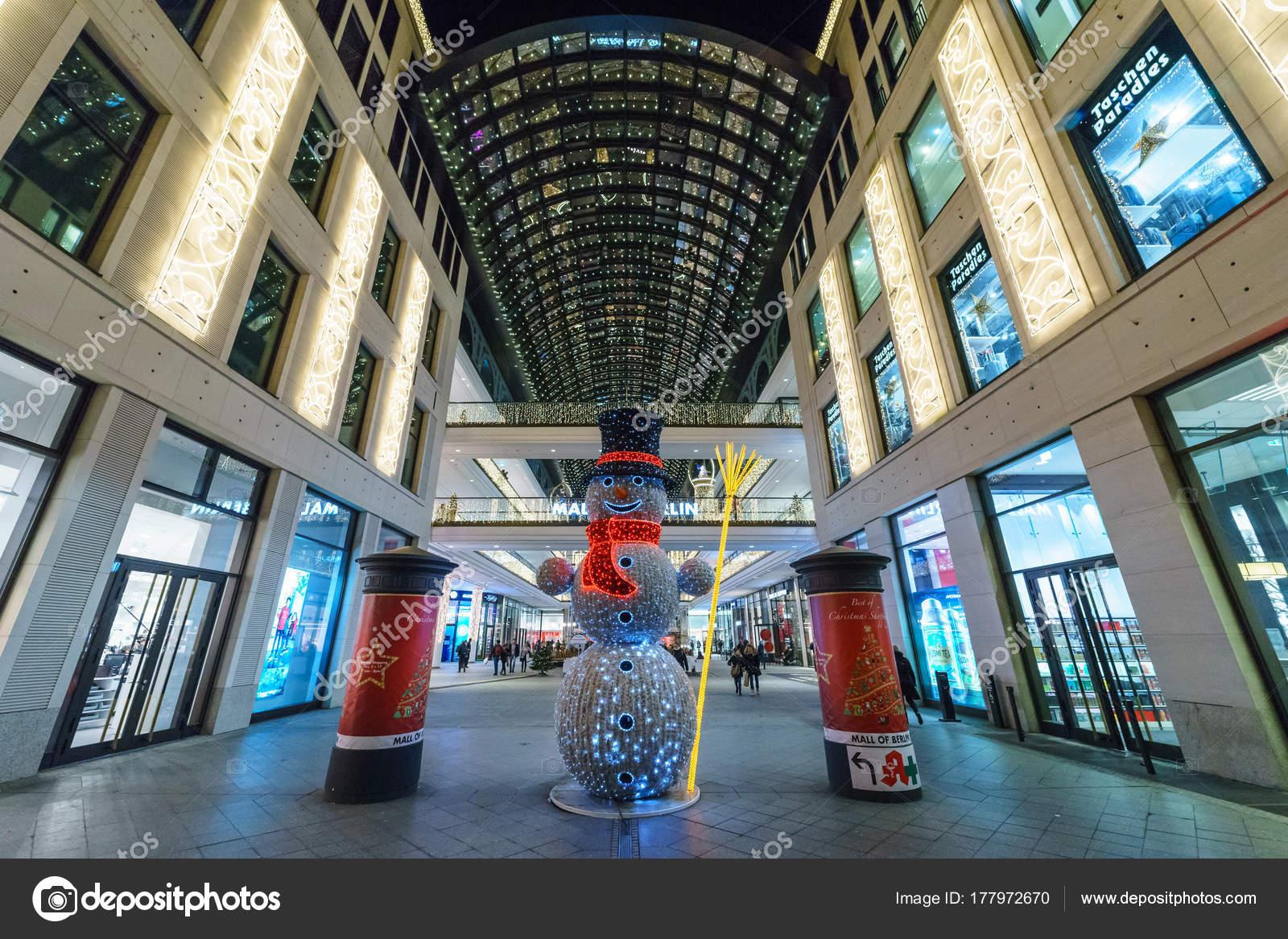 Weihnachtsbeleuchtung Berlin.Berlin Dezember 2017 Das Einkaufszentrum Mall Berlin Leipziger Platz