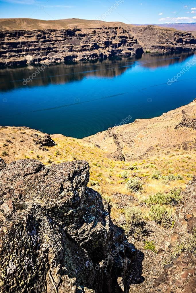Wanapum Lake Colombia River Wild Horses Monument and canyons