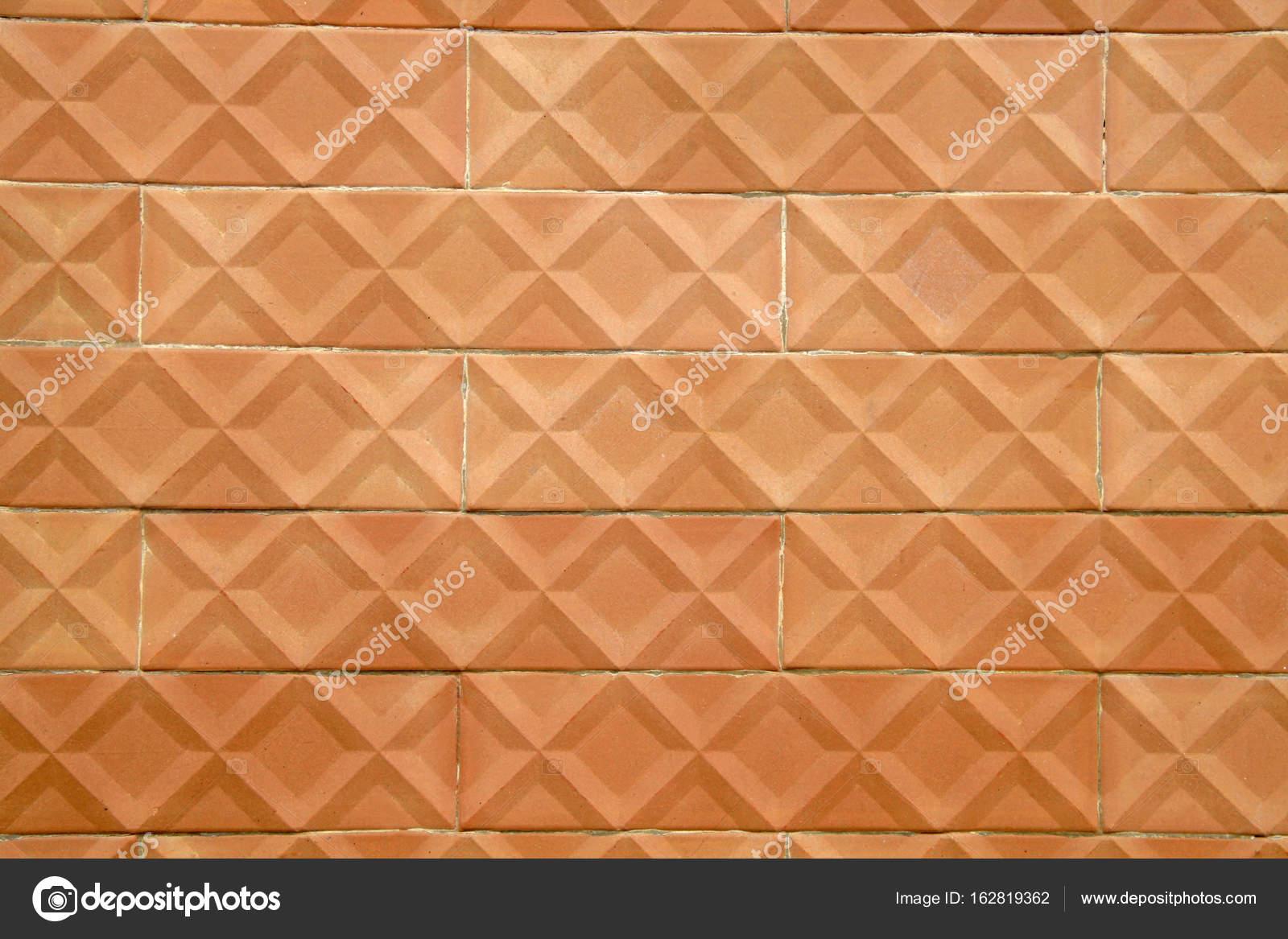 Le pareti decorate con vecchie mattonelle di terracotta u2014 foto stock