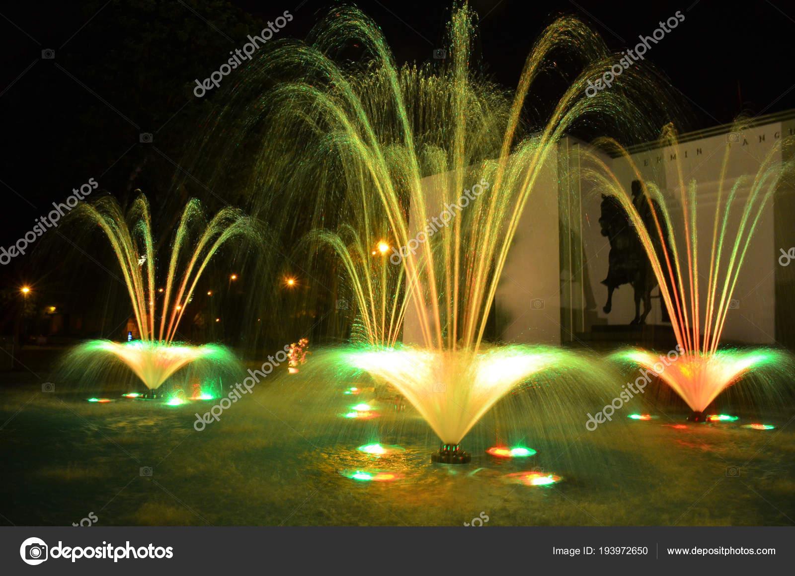 Circuito Magico Del Agua : Illuminated water fountains circuito magico agua lima peru u stock