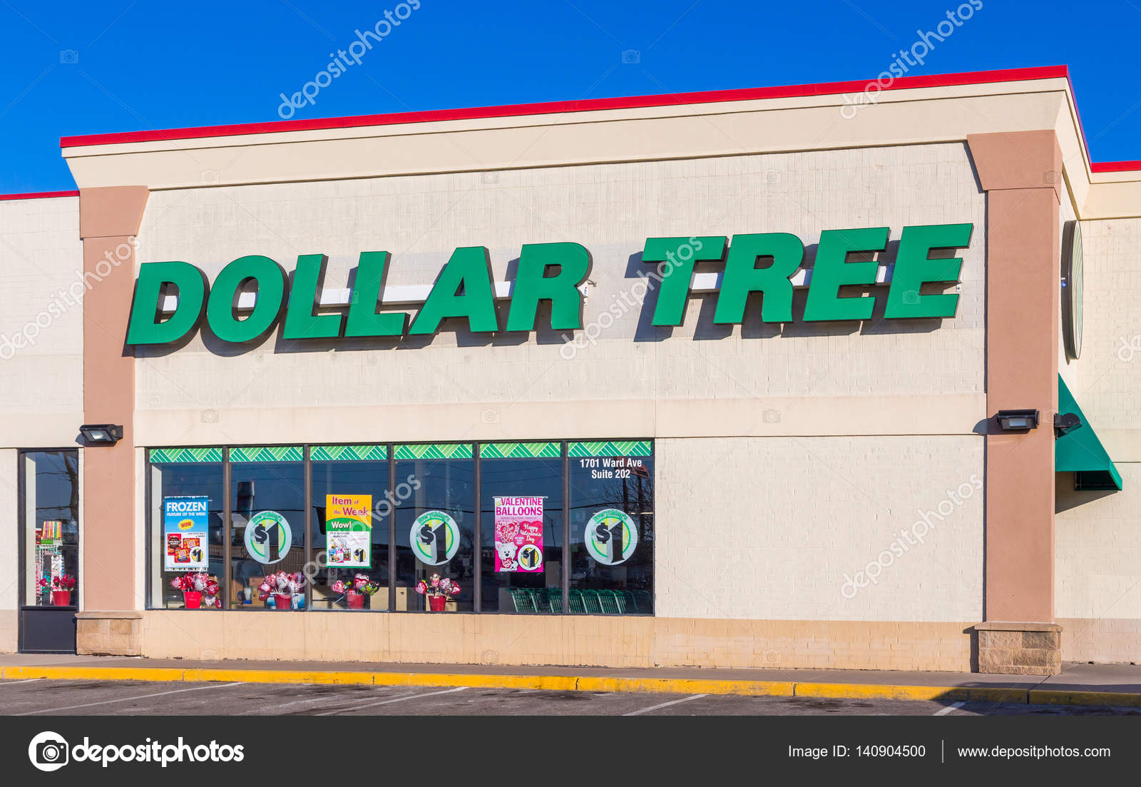 Dollar Tree Retail Store Sign And Logo Stock Photo